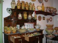 Cous Cous Fest 2007 - Expo Village - itinerario alla scoperta dell'artigianato, del turismo, dell'agroalimentare siciliano e dei Paesi del Mediterraneo - ceramiche - 28 settembre 2007   - San vito lo capo (785 clic)