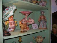 Cous Cous Fest 2007 - Expo Village - itinerario alla scoperta dell'artigianato, del turismo, dell'agroalimentare siciliano e dei Paesi del Mediterraneo - ceramiche - 28 settembre 2007   - San vito lo capo (774 clic)
