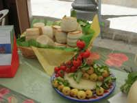 Sagra delle ciliege - i formaggi - 17 giugno 2007  - Chiusa sclafani (1568 clic)