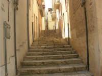 a spasso per la città: gradinata della via Viola - 6 giugno 2007  - Alcamo (996 clic)