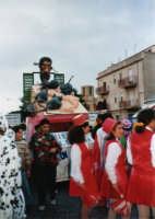 Sfilata di carnevale - 27 febbraio 1995   - Alcamo (1401 clic)