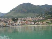 Vista dal porto - 14 aprile 2005  - Castellammare del golfo (1361 clic)