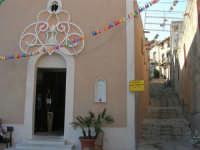 Chiesa di Maria SS. Annunziata e scalinata adiacente - 19 agosto 2007  - Castellammare del golfo (713 clic)
