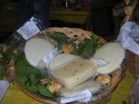 Cous Cous Fest 2007 - Expo Village - itinerario alla scoperta dell'artigianato, del turismo, dell'agroalimentare siciliano e dei Paesi del Mediterraneo - i formaggi e la Vastedda della Valle del Belice di Salemi (TP) - 28 settembre 2007   - San vito lo capo (875 clic)