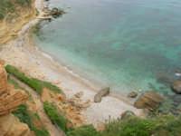 zona La Campana: caletta nella periferia nord-est del paese - 25 aprile 2006  - Castellammare del golfo (1283 clic)
