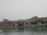 Vista dal porto - 14 aprile 2005  - Castellammare del golfo (1373 clic)