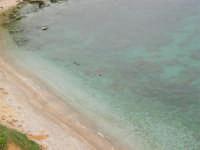 zona La Campana - caletta nella periferia nord-est del paese - 25 aprile 2006   - Castellammare del golfo (1006 clic)