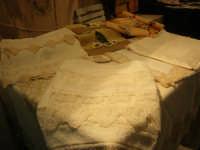Cous Cous Fest 2007 - Expo Village - itinerario alla scoperta dell'artigianato, del turismo, dell'agroalimentare siciliano e dei Paesi del Mediterraneo - Laboratorio Ricami e Cuciti di Alcamo (TP) - 28 settembre 2007   - San vito lo capo (594 clic)