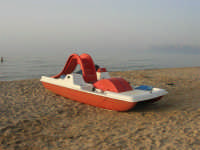 c/da Canalotto - sera - pedalò in riva al mare - 22 luglio 2007  - Alcamo marina (928 clic)