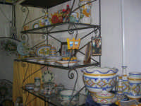 Cous Cous Fest 2007 - Expo Village - itinerario alla scoperta dell'artigianato, del turismo, dell'agroalimentare siciliano e dei Paesi del Mediterraneo - le ceramiche di Custonaci (TP) - 28 settembre 2007   - San vito lo capo (627 clic)