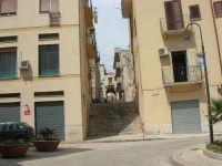 a spasso per la città: via Arco Itria e scalinata tra la via Amendola e la via Francesco Laurana - 6 giugno 2007  - Alcamo (1063 clic)