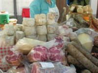 Sagra delle ciliege - formaggi e salumi - 17 giugno 2007  - Chiusa sclafani (1958 clic)