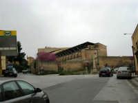 Per le vie di Alcamo: via Ingham, via Orto di Ballo ed ex Chiesa di S. Maria della Stella - 25 aprile 2005  - Alcamo (2342 clic)
