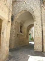 a spasso per il paese: cortile Sant'Antonino - 17 giugno 2007  - Chiusa sclafani (1081 clic)