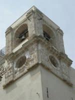 a spasso per la città: campanile della Chiesa SS. Cosma e Damiano in corso 6 Aprile - 6 giugno 2007  - Alcamo (1054 clic)