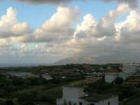 panorama dalla via Lungaro - 3 giugno 2006  - Alcamo (1331 clic)