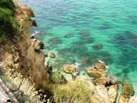 Cala Petrolo - mare e scogli - 6 luglio 2006  - Castellammare del golfo (1102 clic)
