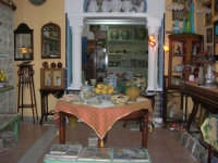 Cous Cous Fest 2007 - Expo Village - itinerario alla scoperta dell'artigianato, del turismo, dell'agroalimentare siciliano e dei Paesi del Mediterraneo - le ceramiche di Custonaci (TP) - 28 settembre 2007   - San vito lo capo (1001 clic)