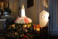 la statua della Madonna di Fatima ospitata all'interno della Chiesa di S. Maria del Gesù - 17 maggio 2008  - Alcamo (871 clic)