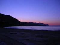Spiaggia Plaja dopo il tramonto - 8 maggio 2005  - Castellammare del golfo (2019 clic)