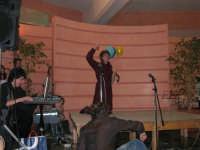 C/da Scampati - Sala Panorama - Cabaret durante la cena di beneficenza a favore dell'AVSI: Giuseppe Coppola di Castellammare del Golfo - 24 febbraio 2006  - Alcamo (1177 clic)