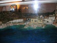 All'interno del Castello Arabo Normanno, in mostra il plastico che riproduce Scopello - 22 ottobre 2005  - Castellammare del golfo (1456 clic)
