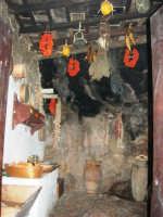 Il Presepe Vivente di Custonaci nella grotta preistorica di Scurati (grotta Mangiapane) (223) - 26 dicembre 2007   - Custonaci (1105 clic)