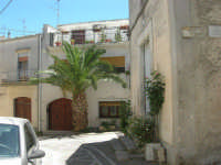 a spasso per il paese: angolo via Madonna di Trapani - 17 giugno 2007  - Chiusa sclafani (1044 clic)