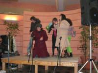 C/da Scampati - Sala Panorama - Cabaret durante la cena di beneficenza a favore dell'AVSI: Ivan D'Angelo, Rosa Raimondi, Giuseppe Coppola, Alessandra Munna e Veronica Sabella di Castellammare del Golfo - 24 febbraio 2006  - Alcamo (1504 clic)