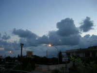Gioco di nubi al mattino - 15 settembre 2005  - Alcamo (1200 clic)