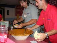 Cous Cous Fest 2007 - Villaggio gastronomico: si serve il cous cous di San Vito Lo Capo - 28 settembre 2007   - San vito lo capo (750 clic)