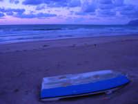a sera in contrada Canalotto - 4 giugno 2006  - Alcamo marina (1245 clic)