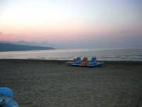 spiaggia Playa a sera - 13 luglio 2006  - Castellammare del golfo (1210 clic)