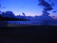 spiaggia Plaja a sera - 4 giugno 2006  - Castellammare del golfo (1117 clic)