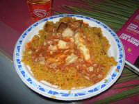 Cous Cous Fest 2007 - Villaggio gastronomico: cous cous, con pesce e verdure, di San Vito Lo Capo - 28 settembre 2007   - San vito lo capo (1288 clic)