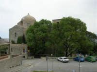 Piazza e Chiesa San Giovanni - 25 aprile 2006  - Erice (1262 clic)