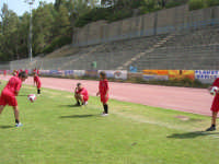 Stadio Comunale - Campus Milan: Giorgia ed altri ragazzi si allenano - 6 luglio 2006  - Alcamo (1773 clic)
