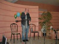 C/da Scampati - Sala Panorama - Cabaret durante la cena di beneficenza a favore dell'AVSI: Antonio Pandolfo, alcamese - 24 febbraio 2006  - Alcamo (1247 clic)