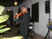 violinista Giuseppe Di Giovanni (alcamese)- concerto al Baglio Abbate - 12 settembre 2008  - Balestrate (1630 clic)