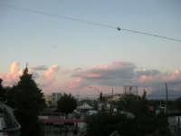 quando, al tramonto, le nubi si tingono di rosa - 10 settembre 2007   - Alcamo (800 clic)