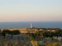 Il Faro - 21 maggio 2005  - San vito lo capo (1376 clic)