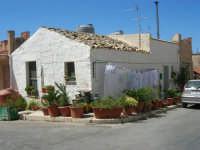 una casa bianca - 6 settembre 2007  - Custonaci (1214 clic)