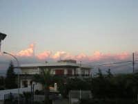quando, al tramonto, le nubi si tingono di rosa - 10 settembre 2007   - Alcamo (897 clic)