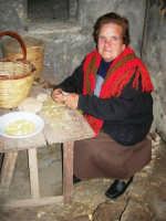 Il Presepe Vivente di Custonaci nella grotta preistorica di Scurati (grotta Mangiapane) (236) - 26 dicembre 2007   - Custonaci (1005 clic)