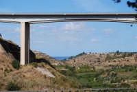 Santuario della Madonna del Ponte - panorama verso nord con ponte dell'autostrada A29 PA-TP - 5 ottobre 2008   - Partinico (2293 clic)