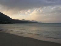 Spiaggia Plaja all'imbrunire: il mare d'inverno - 5 marzo 2006  - Castellammare del golfo (1109 clic)
