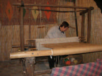 Cene di San Giuseppe - lavoro al telaio - 15 marzo 2009   - Salemi (2735 clic)