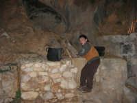 Il Presepe Vivente di Custonaci nella grotta preistorica di Scurati (grotta Mangiapane) (238) - 26 dicembre 2007   - Custonaci (1012 clic)