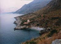 Riserva Naturale dello Zingaro - Cala Tonnarella dell'Uzzo - 13 agosto 1995  - Riserva dello zingaro (4870 clic)