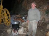 Il Presepe Vivente di Custonaci nella grotta preistorica di Scurati (grotta Mangiapane) (239) - 26 dicembre 2007   - Custonaci (1084 clic)